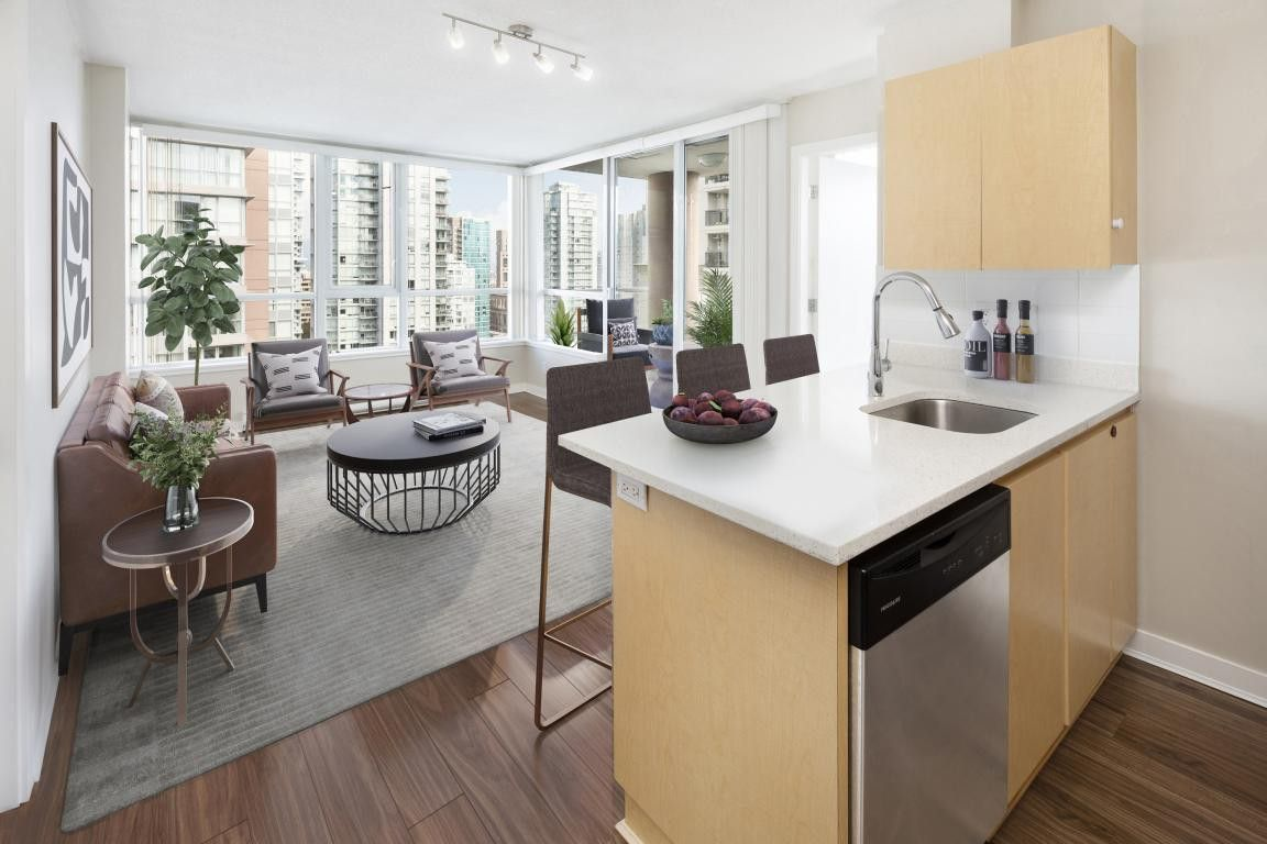 Metropolitan Towers Apartments for Rent - 930 Seymour St ...