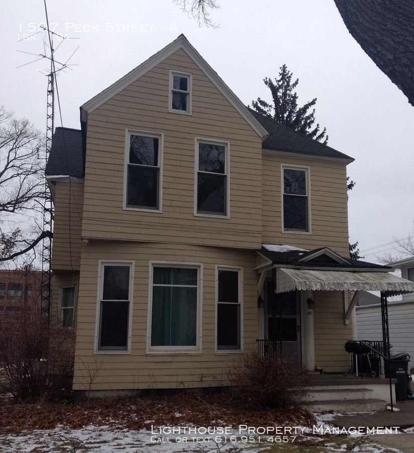 1507 Peck St #A, Muskegon, MI 49441 1 Bedroom Apartment