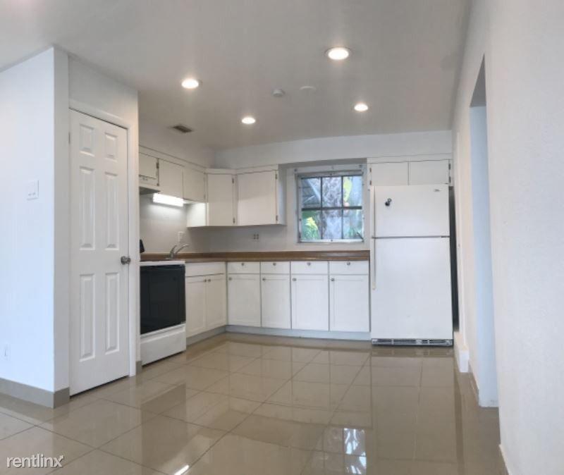 323 Kenilworth Blvd, West Palm Beach, FL 33405 3 Bedroom
