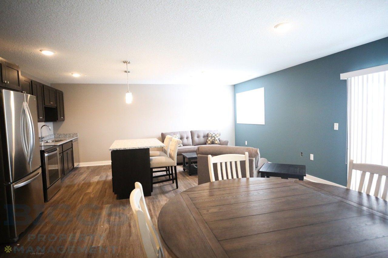 Centlivre Apartments 2811 Westbrook Dr Fort Wayne In 46805 Zumper