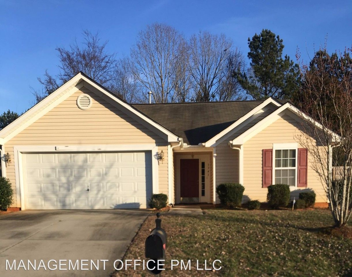 Phenomenal 1341 Jessicas Way Rock Hill Sc 29730 3 Bedroom House For Complete Home Design Collection Barbaintelli Responsecom