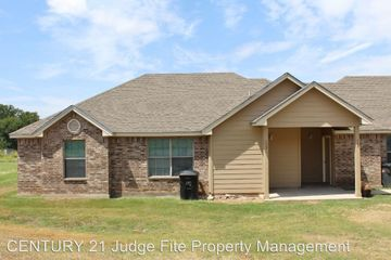 953 Sylvia St Weatherford Tx 76086 3 Bedroom Apartment For Rent 1 250 Month Zumper