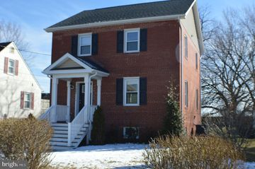 Outstanding 6 W Elm Ave Baltimore Md 21206 4 Bedroom House For Rent Home Interior And Landscaping Palasignezvosmurscom