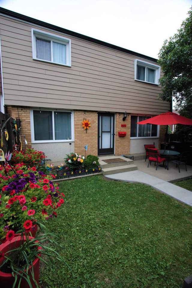 Creston Place Apartments for Rent in York, Edmonton, AB ...