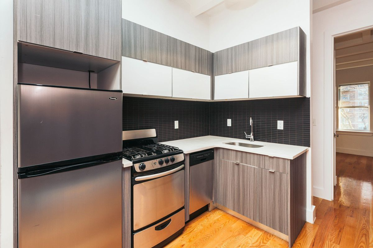 31 Montrose Ave 1r New York Ny 11206 3 Bedroom