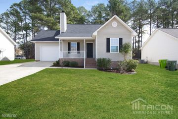 Strange 2104 Huffman Dr Columbia Sc 29209 3 Bedroom House For Rent Home Interior And Landscaping Palasignezvosmurscom