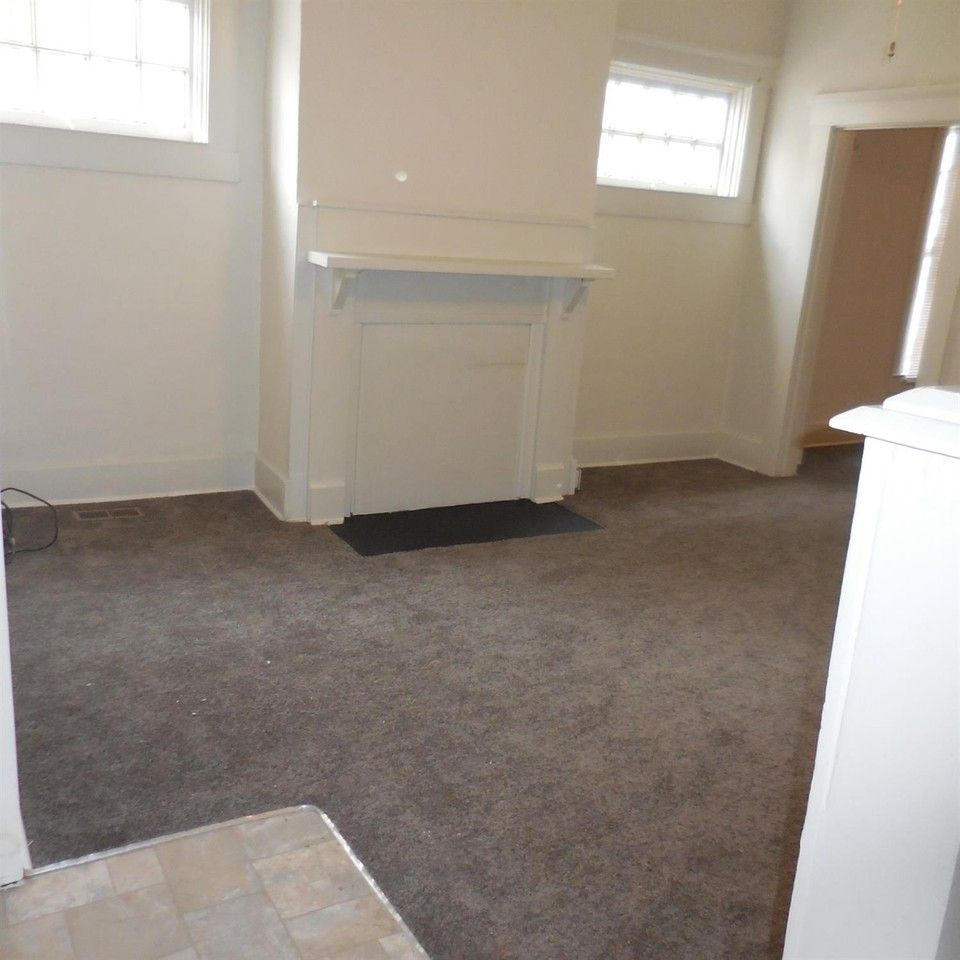 421 Steele St, Frankfort, KY 40601 2 Bedroom Apartment For