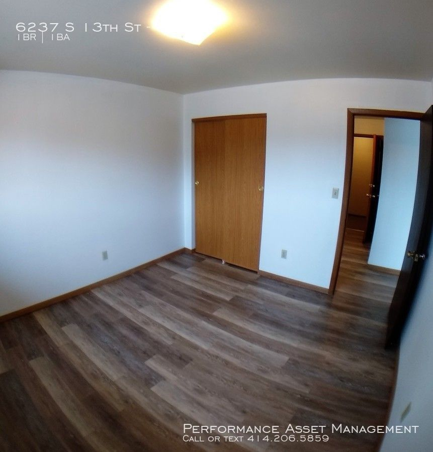 6237 South 13th Street #13, Milwaukee, WI 53221 1 Bedroom