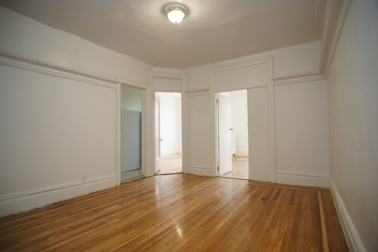 Daly Ave E 180th St 4e New York Ny 10460 3 Bedroom Apartment For Rent For 1 900 Month Zumper