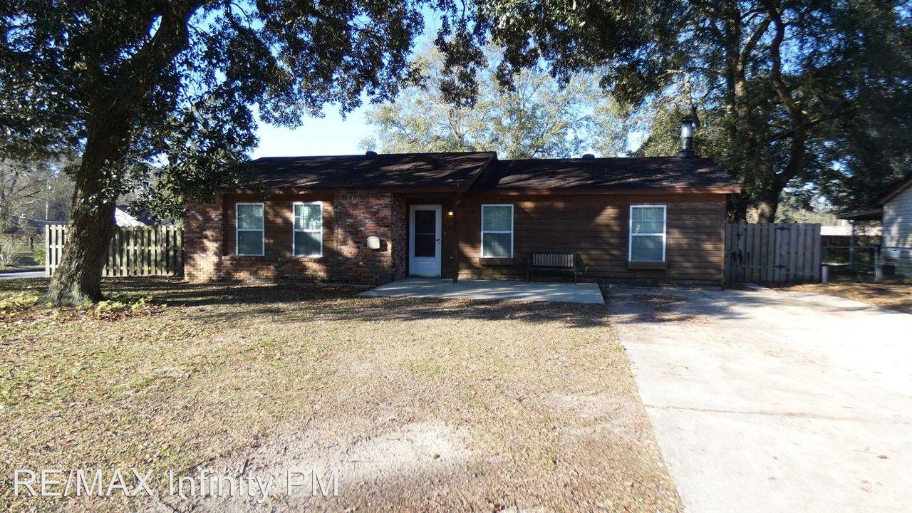 8025 Atlas St Pensacola Fl 32506 3 Bedroom House For