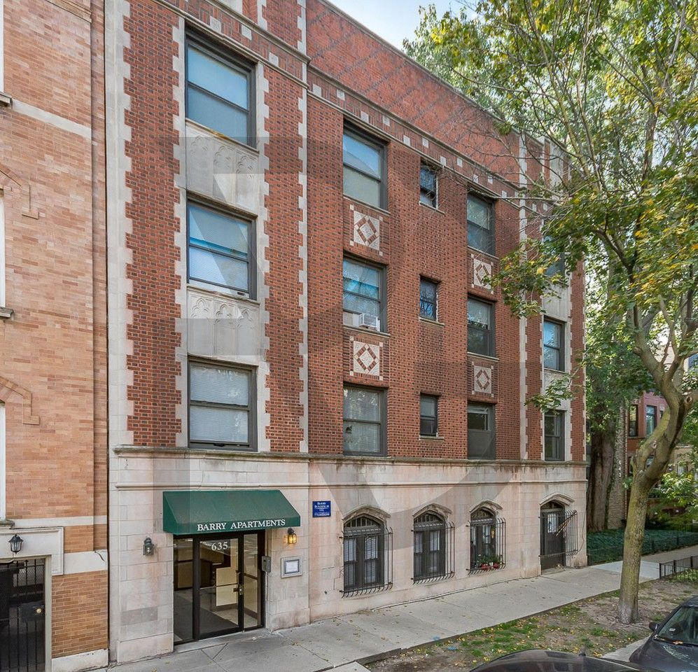 Studio Apartments For Rent Chicago: 635 West Barry Avenue #106, Chicago, IL 60657 Studio