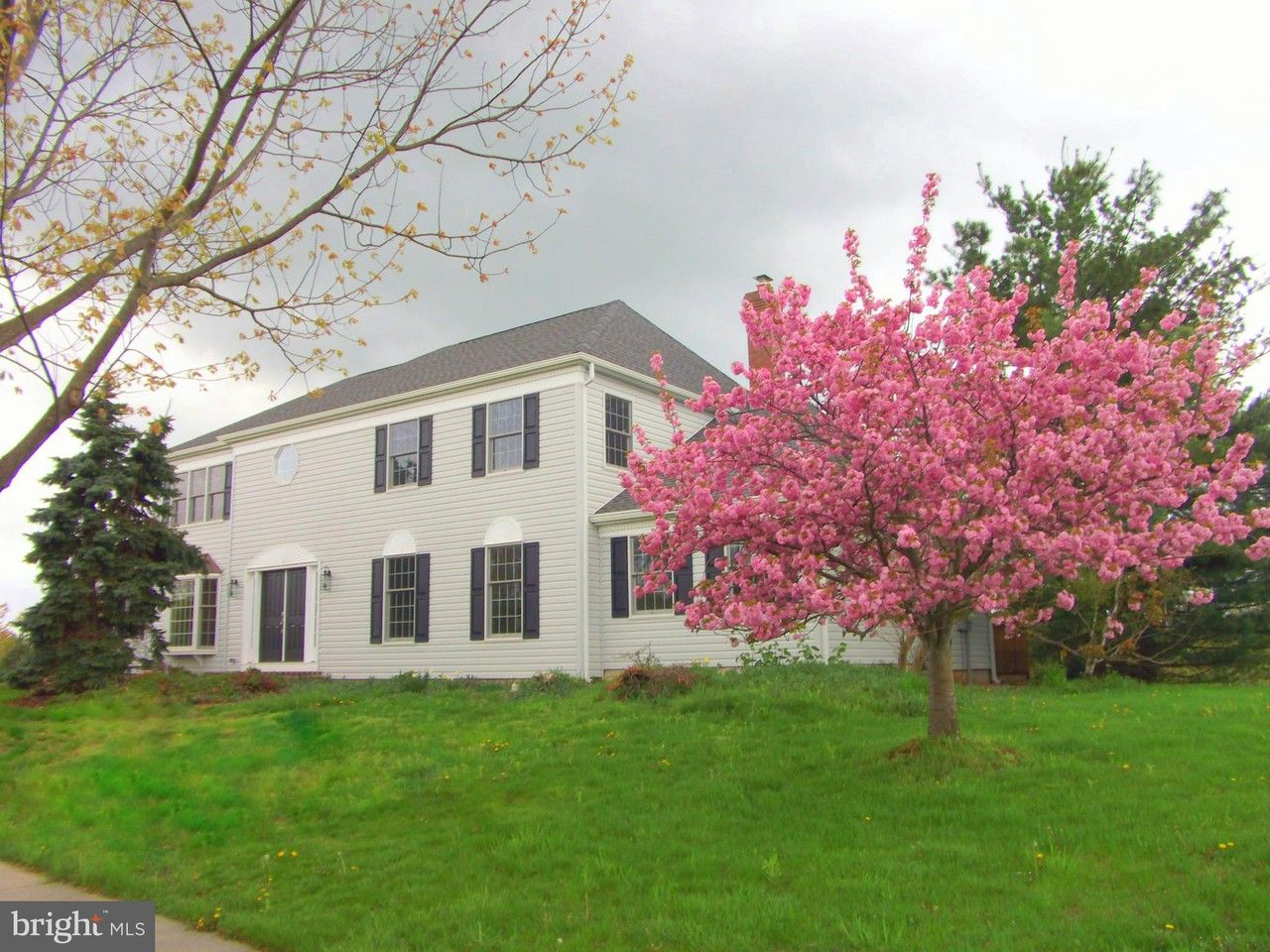 51 Remington Cir, West Windsor Township, NJ 08550 5 ...