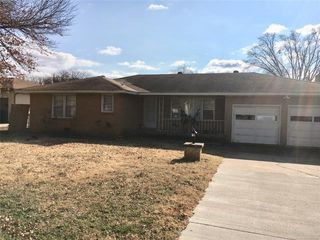 1616 S Dewey Ave Bartlesville Ok 74003 3 Bedroom House For Rent