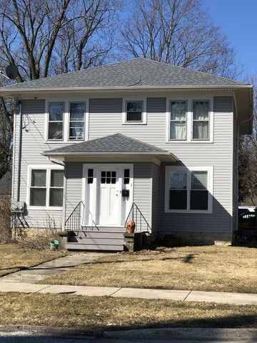 3 S Lincoln St, Batavia, IL 60510 2 Bedroom House for Rent ...