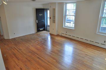 2128 St James Pl Philadelphia Pa 19103 4 Bedroom Apartment For