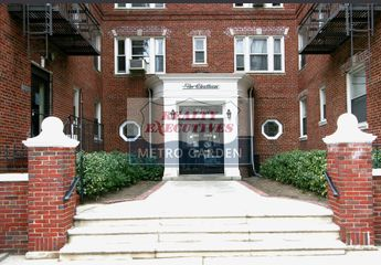 7 34 734 Burns Street Upper Duplex Forest Hills Gardens Foresthill New York Ny 11375 3 Bedroom Apartment For Rent 4 600 Month Zumper