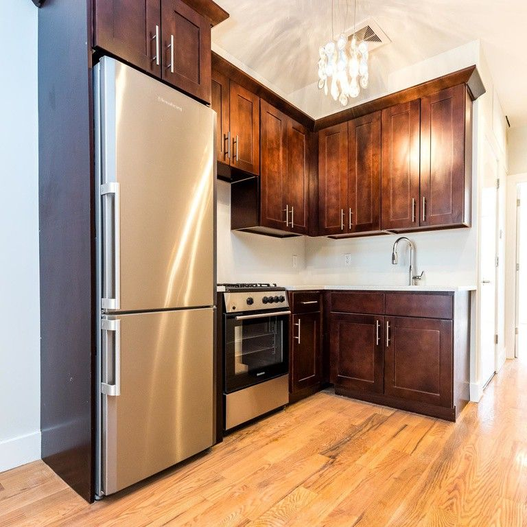 3 Bedroom Apartment For Rent Queen Street West: 285 Irving Ave #3L, New York, NY 11237 3 Bedroom Apartment