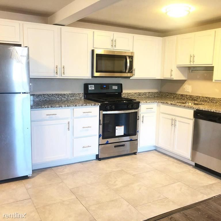 300 Linden Ave #D, Pittsburgh, PA 15215 2 Bedroom