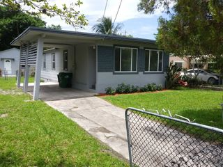 Awesome 1520 Nw 69Th St 1520 Miami Fl 33147 3 Bedroom House For Home Interior And Landscaping Eliaenasavecom