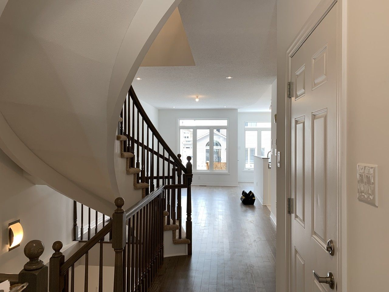82 Chevron Place Ottawa On K1w 0a3 3 Bedroom Apartment