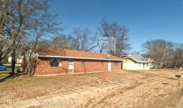 1703 Division St Commerce Tx 75428 2 Bedroom House For Rent For