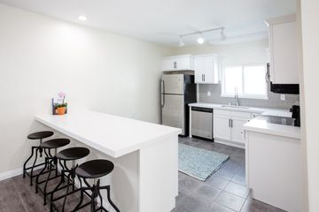 600 South Detroit Street Los Angeles Ca 90036 Room For Rent 1 300 Month Zumper