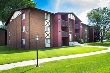 Flagstone Village Apartments For Rent