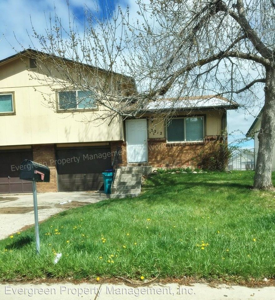 Fort Collins 2 Bedroom Apartments: 3212-3214 Spruce Dr. Apartments For Rent