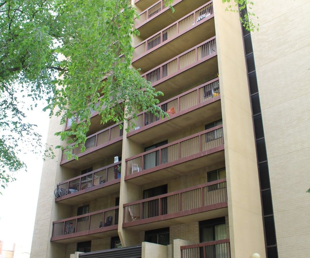 430 5th Ave N, Saskatoon, SK S7K 6Z2 2 Bedroom Apartment
