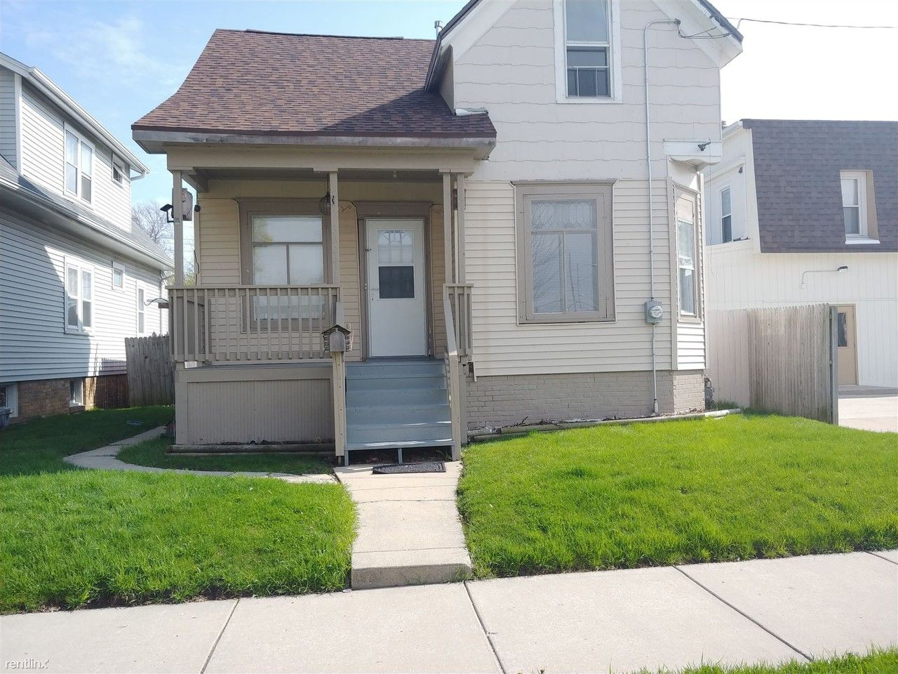 3823 Wright Ave Racine Wi 53405 3 Bedroom House For Rent