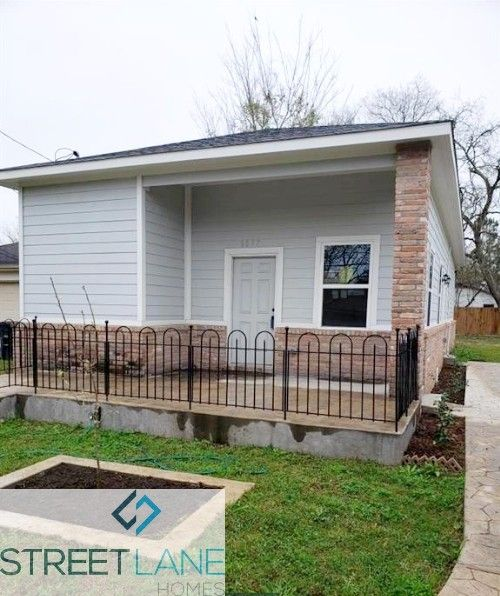 8017 Comal Street, Houston, TX 77051 4 Bedroom House For