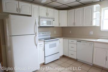 Tremendous 107 Homestead Street Dunmore Pa 18512 1 Bedroom Apartment Home Interior And Landscaping Mentranervesignezvosmurscom