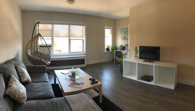 56 Leyton Ave 56 3 Toronto On M1l 3t7 2 Bedroom