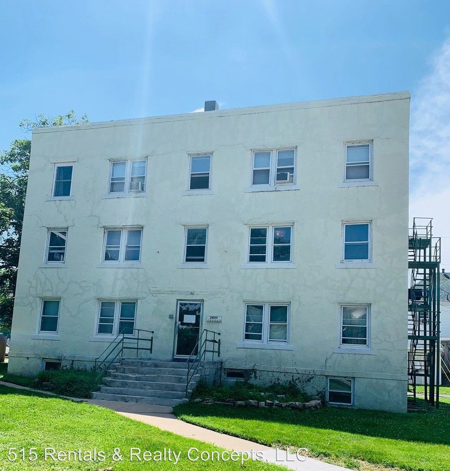 2600 Cottage Grove Ave Apartments For Rent In Drake, Des