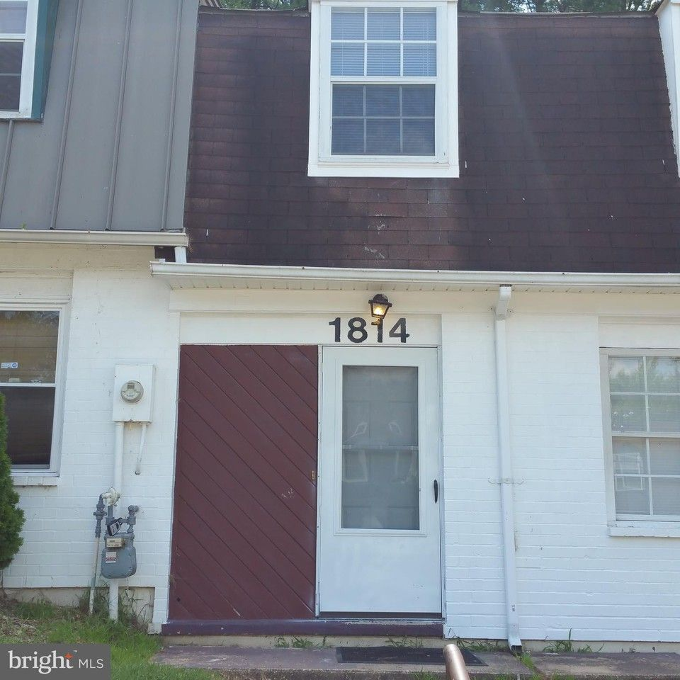 4 Bedrooms Apartments For Rent: 1814 Village Green Dr #D103, Landover, MD 20785