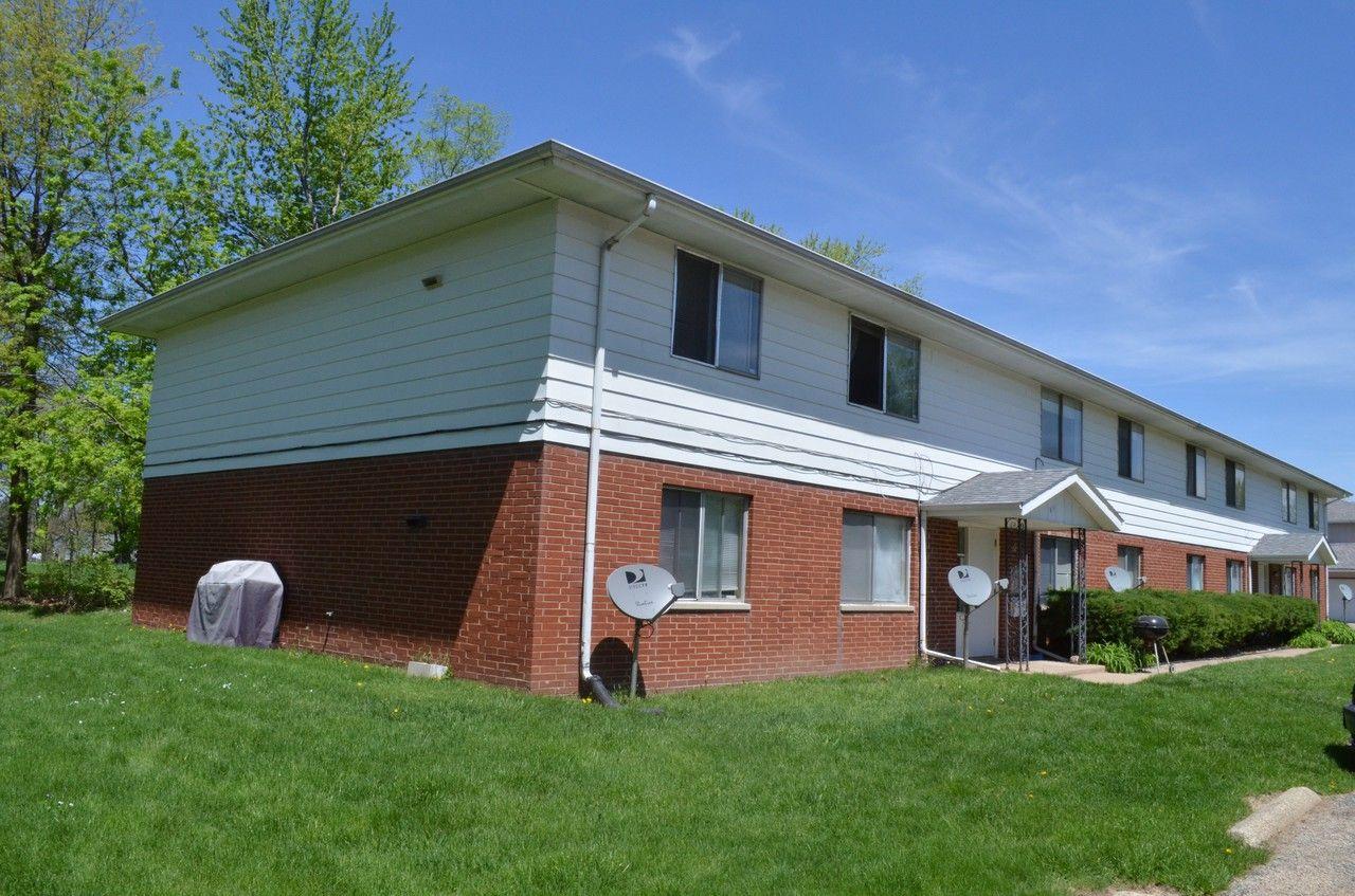 911 West Shermoor Street #3, Peoria, IL 61614 2 Bedroom ...