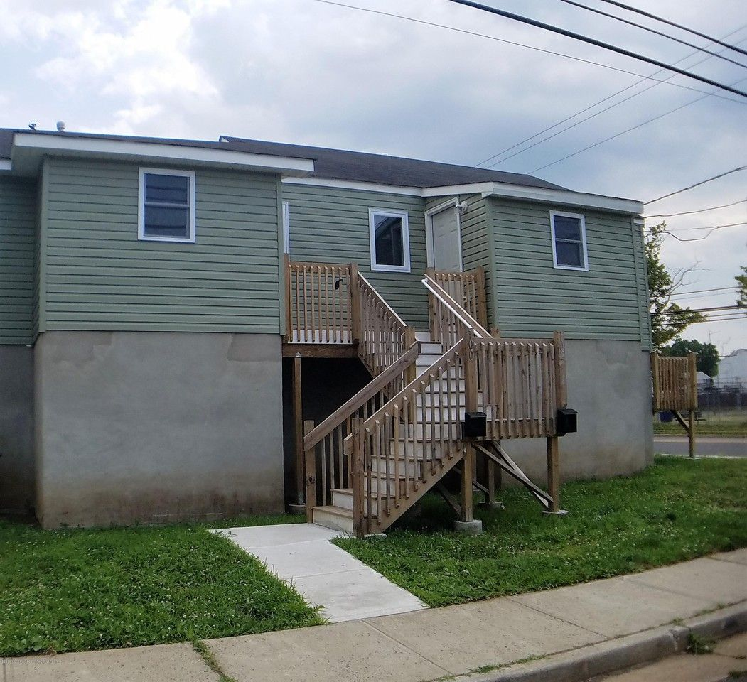 1 Bedrooms Apartments For Rent: 100 Seeley Ave, Keansburg, NJ 07734