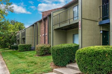 8903 Raintree Drive 3699 Louisville Ky 40220 3 Bedroom