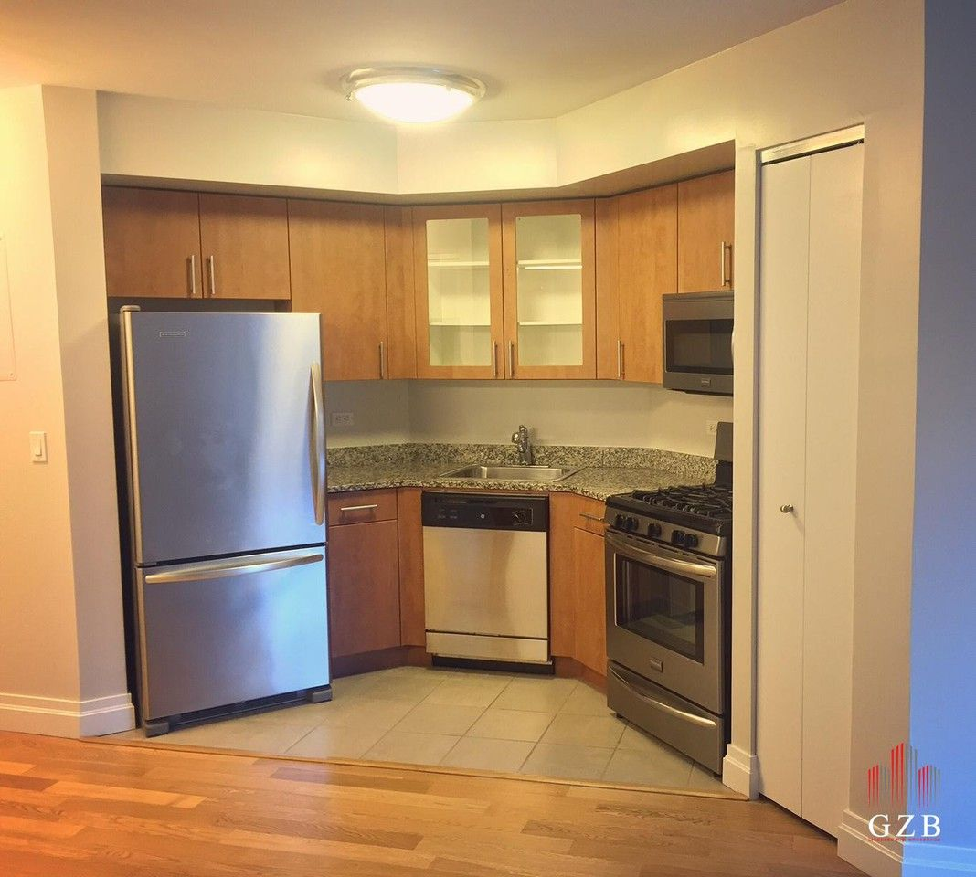 New York Apartments Rent: W 26th St #12A, New York, NY 10010