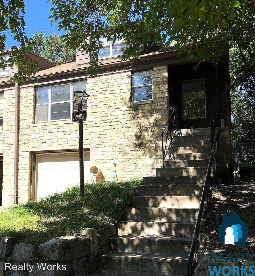 Apartments Lincoln Ne Near Scc: 1327-1329 S 24th St Apartments For Rent
