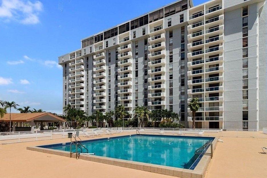 13497 Biscayne Blvd North Miami Fl 33181 2 Bedroom Apartment For Rent For 1 600 Month Zumper