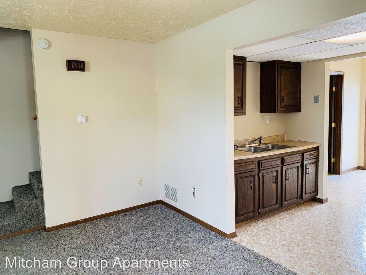 Kroger Belpre Ohio >> 1200 Lockwood St Apartments For Rent In Belpre Oh 45714