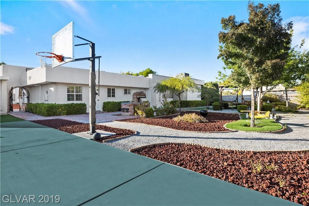 909 Cashman Drive, Las Vegas, NV 89107 6 Bedroom House for ...