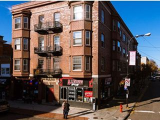 Fabulous 1044 Elmwood Ave Buffalo Ny 14222 3 Bedroom Apartment For Beutiful Home Inspiration Semekurdistantinfo