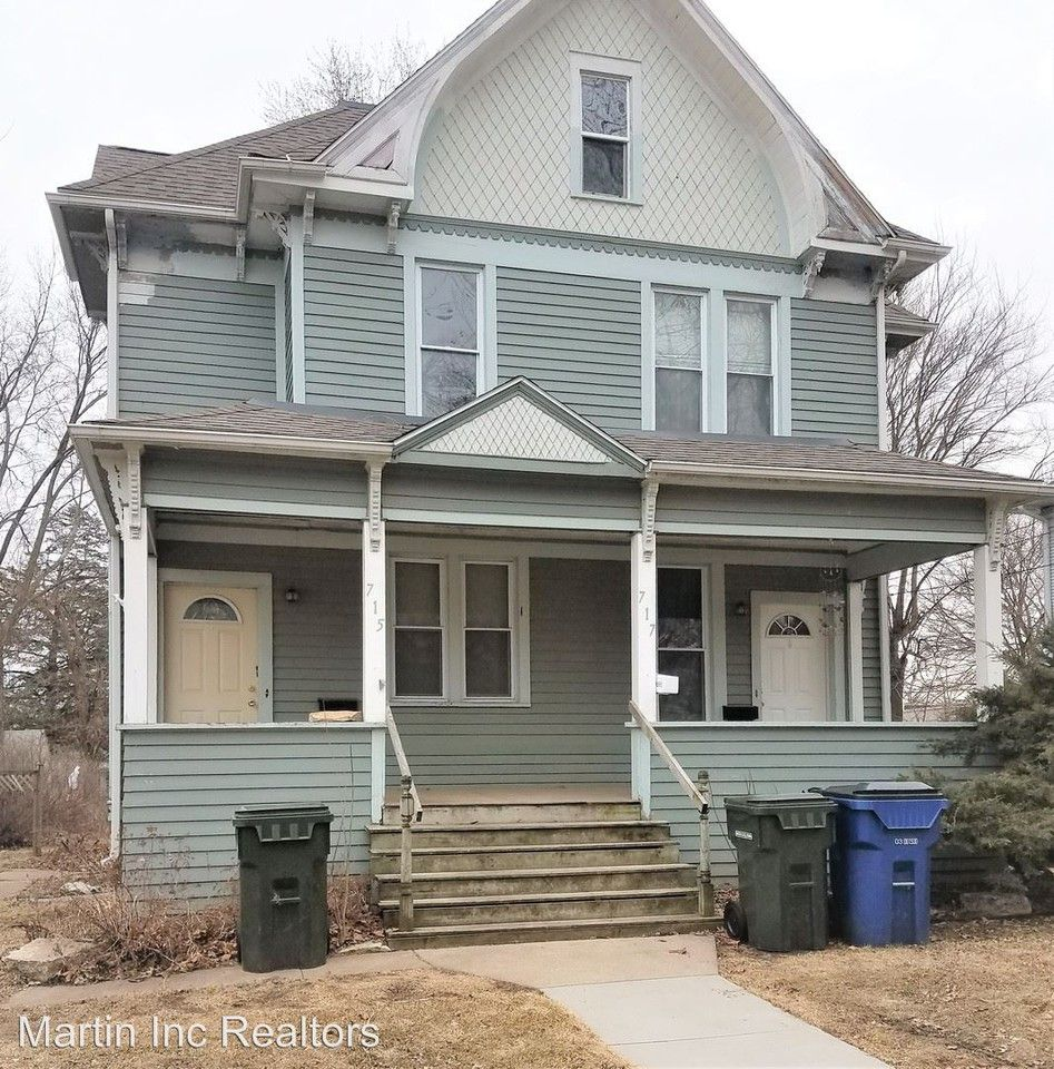 715 W 3rd St, Waterloo, IA 50701 2 Bedroom House For Rent