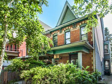 165 Huron Street #Main, Toronto, ON M5T 2B6 3 Bedroom ...