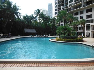 540 brickell key drive 21 miami fl 33131 1 bedroom - Capital tower fitness first swimming pool ...