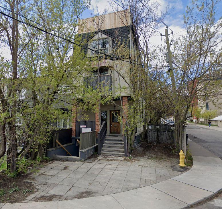 Apartments For Rent In Toronto: Bathurst St & Bridgman Ave, Toronto, ON M5R 1X2 1 Bedroom