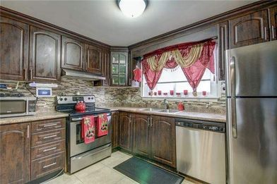 Remarkable 3 Bed 2 Bath Townhouse For Rent Brampton Queen St E Interior Design Ideas Inamawefileorg