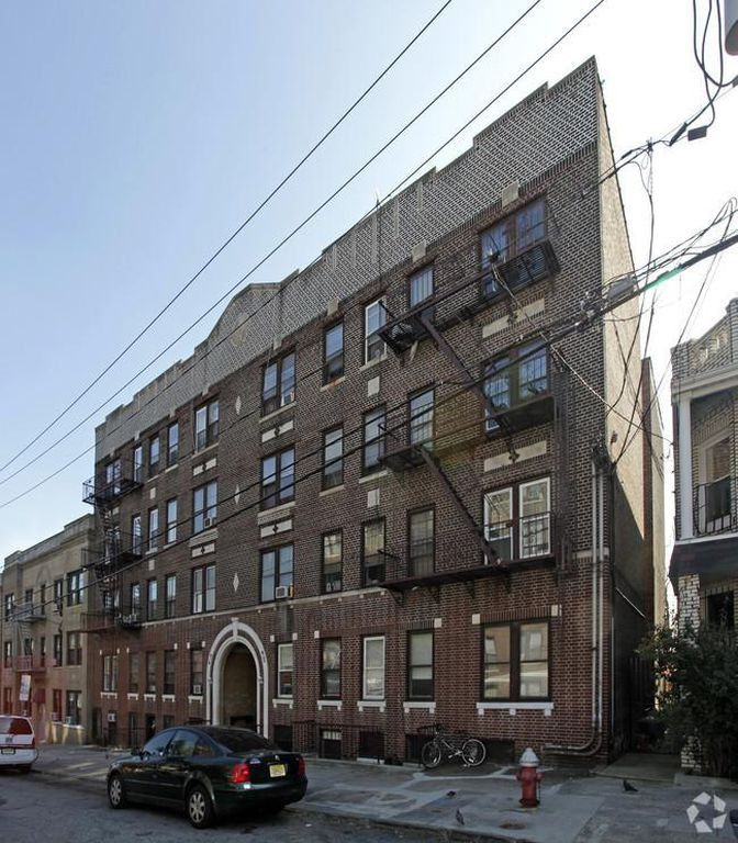 Two Bedroom Apartment Jersey City Heights: 96 Waldo Avenue #206, Jersey City, NJ 07306 1 Bedroom